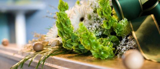 Livrer des fleurs de deuil